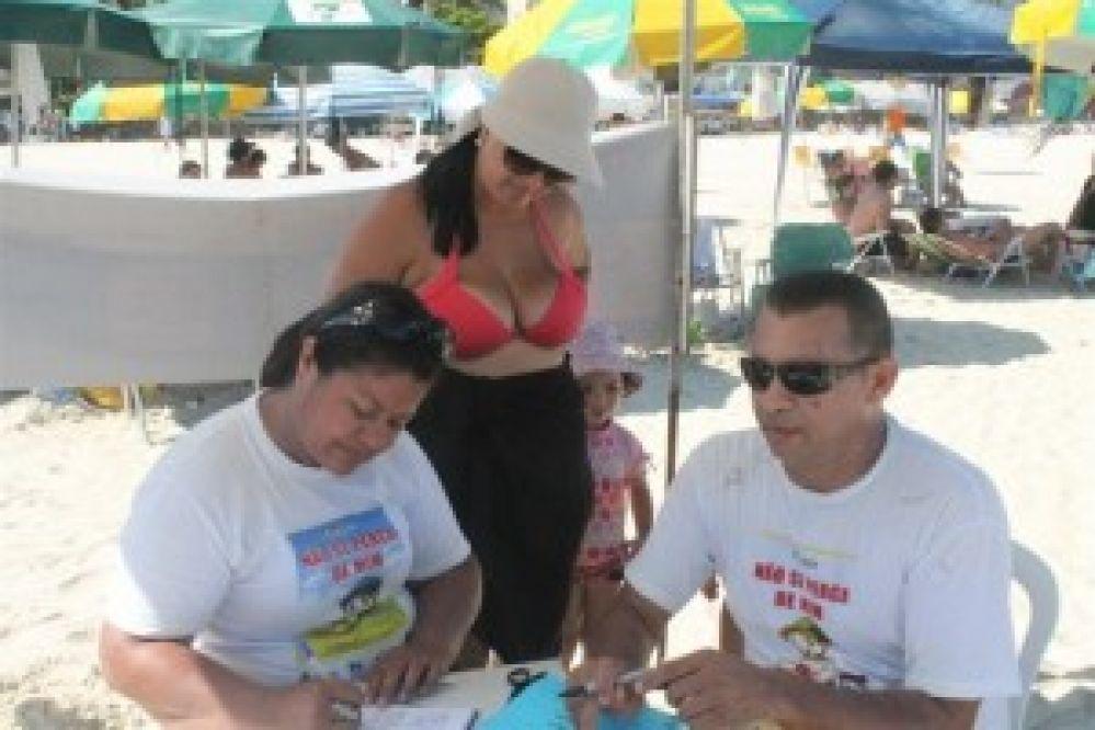 Programa 'Não se Perca de Mim' retorna às praias de Guarujá