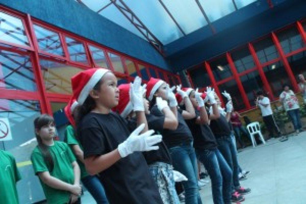 Presépios em Guarujá anunciam a chegada do Natal