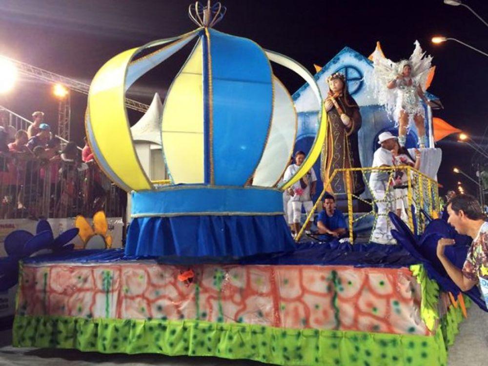 Imperador da Ilha vence disputa e é tetracampeã do carnaval de Guarujá