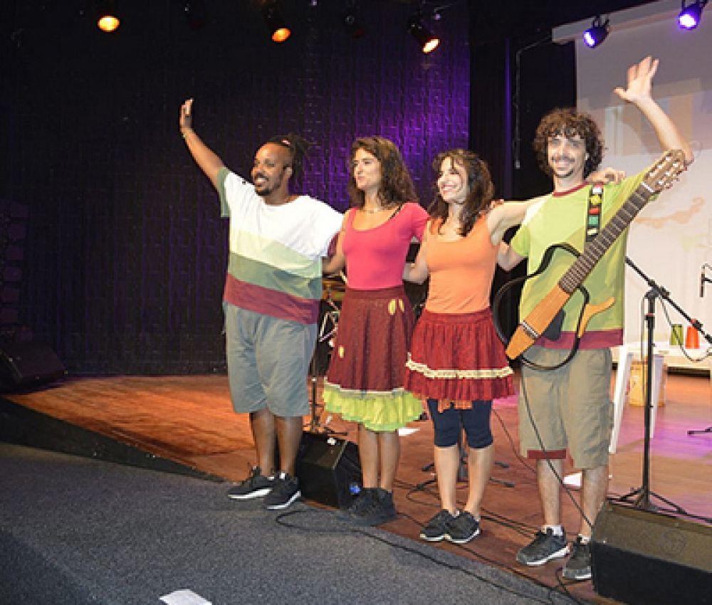 Material pedagógico fomenta ensino musical nas escolas municipais